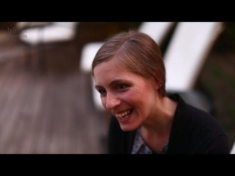 """Eleanor Catton e seu premiado livro """"Os Luminares"""" TV FOLHA TV FOLHA"""