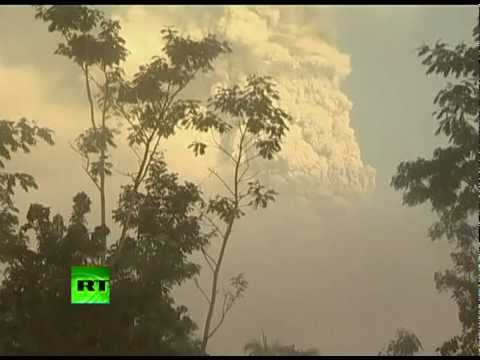 New blast at Mount Merapi as Indonesia's deadly volcano erupts again
