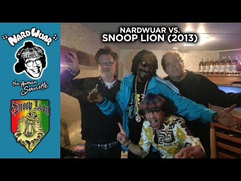 NewVideo : @Nardwuar vs. @SnoopLion (2013)