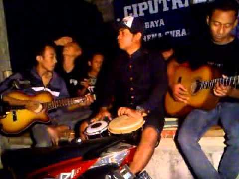 MUNAROH ( Koplo Gitar Dolopo Madiun )