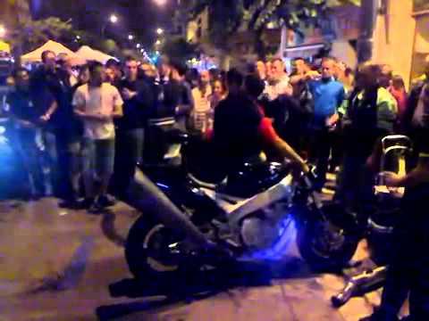 Prueba De Escape Moto Deportiva De Lujo   Motos Tuning