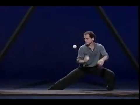 Michael Moschen performs THE TRIANGLE