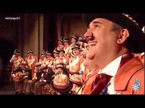 Sesión de Semifinales, la agrupación La vuelta a Cádiz en 80 mundos actúa hoy en la modalidad de Coros.