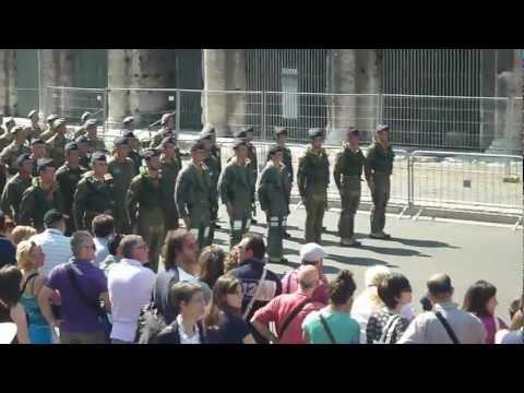 2 Giugno 2012 parata Festa della Repubblica Italiana : Roma video