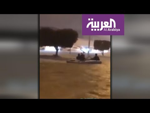 الكويت.. قوارب مطاطية في عمليات الإنقاذ من السيول