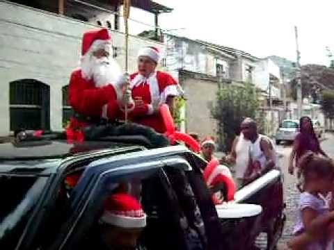 Chegada do Papai Noel e Mamae Noel na festa da Banda Sorriso e Alegria na Joaquim Meier 18DEZ2011