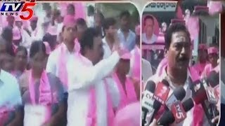 TRS Leader Gottimukkala Padmarao Road show In Kukatpally - TV5NEWSCHANNEL