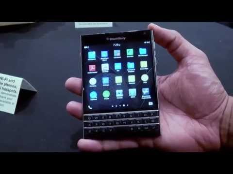 Blackberry Passport Hands On!