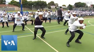 Muslim Students Perform Emotionally-Charged Haka in New Zealand to Commemorate Christchurch Victims - VOAVIDEO