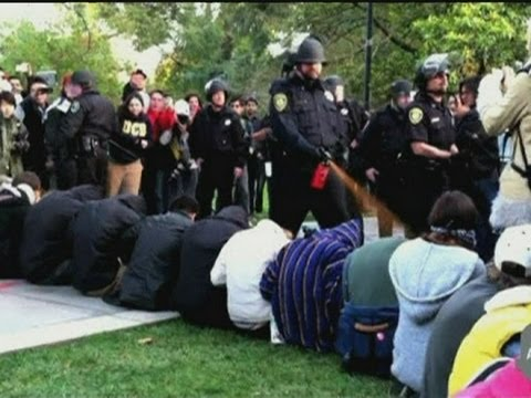 PEPPER SPRAY: UC Davis students 'maced' in Occupy protest