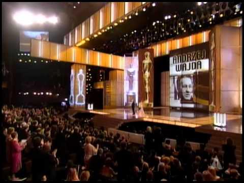 Andrzej Wajda dostał Oscara za całokształt twórczości w 2000 roku.