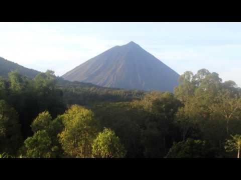 Gunung Inerie, Bajawa, NTT (Flores)