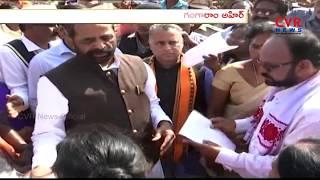 Union Minister Hansraj Gangaram Ahir Interaction With Titli Cyclone Victims In Srikakulam | CVR News - CVRNEWSOFFICIAL