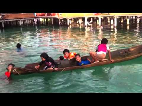 Amazing Bajau Laut Girl saves capsized boat