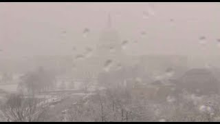 Live: Snow falls in Washington - VOAVIDEO
