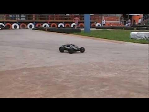Batida e afogando o motor  Automodelismo Ourinhos SP Paint Kart