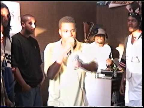 Kanye West - Watch Vintage Footage Of Kanye West Rapping At Fat Beats Party In 1996