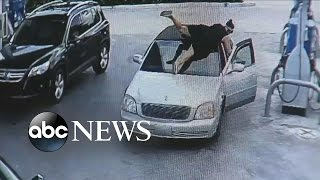 Florida Woman Jumps on Car to Stop Alleged Purse Snatcher - ABCNEWS