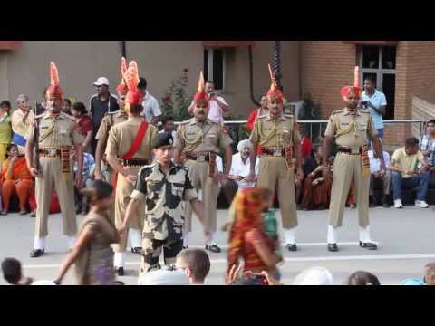The closing ceremony of the Pakistan-India border