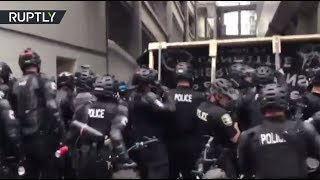 RAW: Seattle police use pepper spray as pro-Trump and Antifa protesters face off - RUSSIATODAY