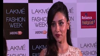 Amrita Puri at Lakme Fashion Week - BOLLYWOODCOUNTRY