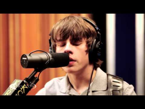 Jake Bugg performing