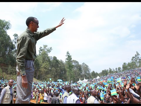 President Kagame speaks to residents of Muhanga District in Ndiza - Muhanga, 17 July 2014