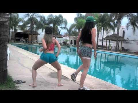 popu tona  - bailarinas de JUAN QUIN Y DAGO