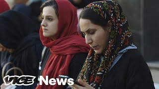 How Iran's Hijab Protests Went Viral - VICENEWS