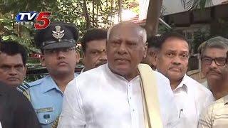 Tamil Nadu Governor Rosaiah Pays Tribute To Bapu : TV5 News - TV5NEWSCHANNEL