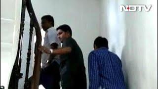 मुंबई मे अब भी डटे हैं कर्नाटक के विधायक - NDTVINDIA
