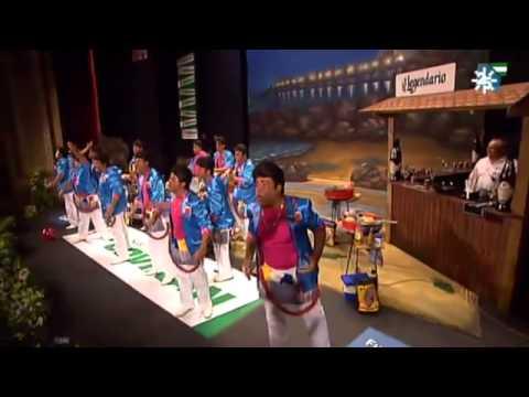 Sesión de Final, la agrupación Los Georgie Dann de Santa María del Mar actúa hoy en la modalidad de Chirigotas.