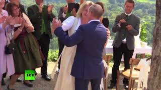 Putin dances, speaks German at Austrian FM's wedding - RUSSIATODAY