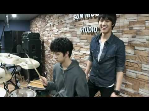 [CUT] MBLAQ Thunder(Cheondung) Concert Band Practice (Guitar + Drum)