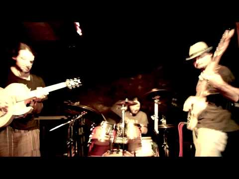 SmOotH STrEeTs PrOjEcT - City Zen Groove (Live In Florence 11-11-12)