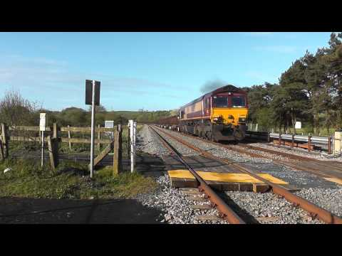 66109 through Llangennech on 6B03 Trostre Margam empty steel 26/04/2014
