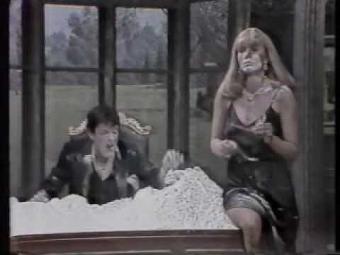 Scarface Parody Raul Julia Penny Marshall Buck Henry The New Show