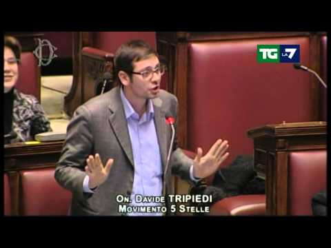 """Video: Gaffe in Aula del grillino Tripiedi: """"Saro' breve e circonciso"""""""