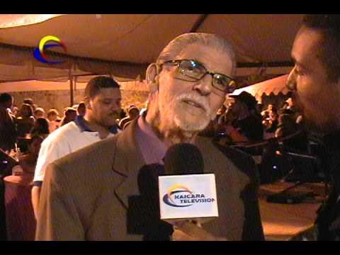 RICHARD BENÍTEZ ENTREVISTANDO A RENATO CAPRILES EN CAICARA DE MATURIN AÑO 2008