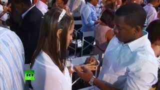 بالفيديو.. زهاء 4000 عروس وعريس يُزفون في أكبر حفل زواج جماعي بالبرازيل