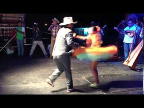 Pareja de Joropo en Elorza Apure 2013