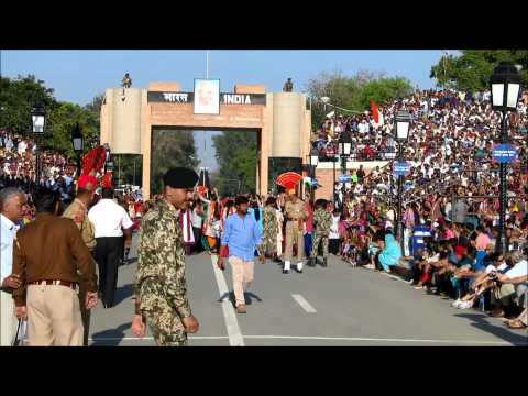 India Pakistan Wagah Border Ceremony 01