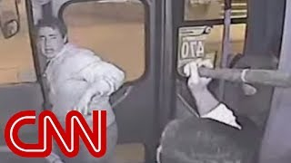 Bus driver lays the smackdown on thief - CNN
