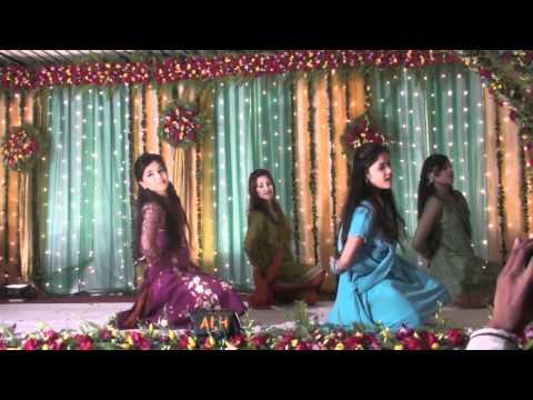 Bumbro Bumbro, Mehndi Lagaungi, Taal Remix, and Gunji Aangna Mein Shehnai Dance