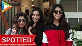 Warina Hussain and Alfia Jafry SPOTTED at Fable Juhu - HUNGAMA