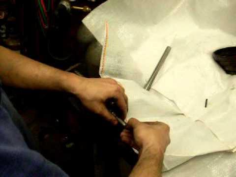 Transformando furadeira de bancada em fresadora Old drill press to mill conversion