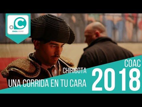 Sesión de Cuartos de final, la agrupación Una corrida en tu cara actúa hoy en la modalidad de Chirigotas.