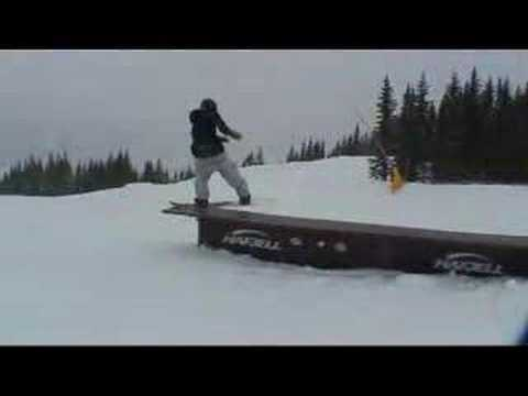 sindre snowboarding