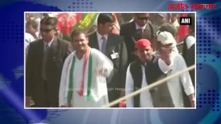 video : राहुल-अखिलेश की तरफ से इलाहाबाद में निकाला गया रोड शो