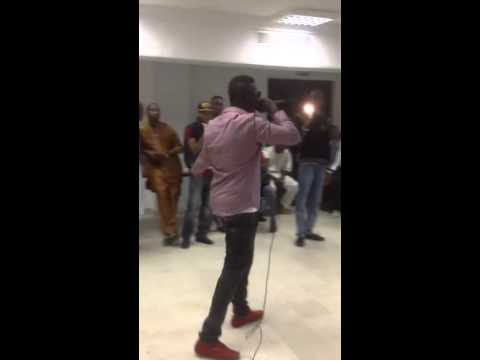 Ox B  En Prestation Mali rap Afrique Music